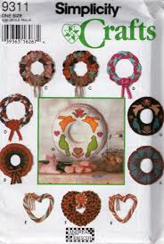 simplicity crafts 9311 classic holiday wreaths christmas sewing