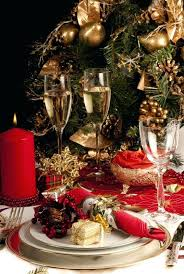 christmas dinner table centerpieces gold christmas table centerpieces source gold christmas table
