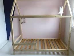 cabane pour chambre fabriquer un lit en bois diy un lit cabane pour une chambre d enfant