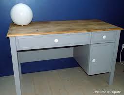 relooker un bureau en bois peindre bureau repeindre un meuble en bois sans poncer comment