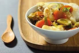 recette cuisine wok recette de wok de lotte à la bière jeunes poireaux et carottes facile