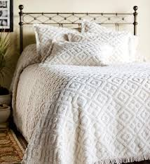 Difference Between Coverlet And Quilt 258 Best Chenille Images On Pinterest Chenille Bedspread