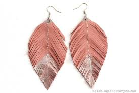 how to make feather earrings with diy jewelry made with feathers