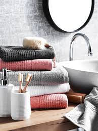 Bathroom Towels Ideas Best 25 Coral Bathroom Decor Ideas On Pinterest Coral Bathroom
