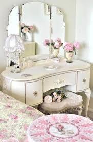 White Antique Bedroom Furniture White Vintage Bed In Furniture Vintage Bedroom U2013 This For All