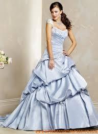 robe de mariã e bleue robe de mariée bleu avec traîne en taffetas broderies