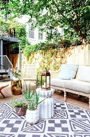 Patio 26 Cheap Patio Makeover by Best 25 Eclectic Outdoor Rugs Ideas On Pinterest Deck Backyard