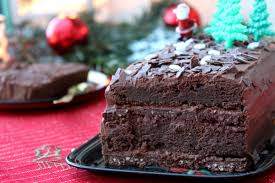 cuisine vegan facile bûche facile au chocolat noir ganache et croustillant praliné