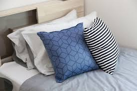 bed bugs pillows how to diagnose and cure bed bugs rash at home itself