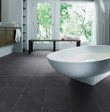 badezimmer laminat laminat im badezimmer häusliche verbesserung laminat im bad 94821