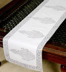 how to make a table runner with pointed ends table runner material how to make a table runner with pointed ends
