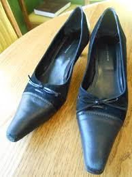 drab to fab halloween costume idea witch shoes