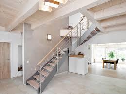 schmale treppen raumspartreppen sind platzkünstler und designhilghlights zugleich