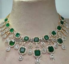 emerald stone necklace jewelry images 451 best emerald nacklas images diamond necklaces jpg