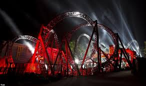 speed of roller coaster unveiled the record breaking 14 loop rollercoaster that combines