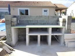 fabriquer cuisine exterieure plan de travail exterieur en beton pour cuisine exterieure avec