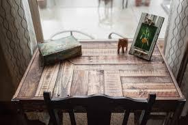 bureau recup recup palette bois bureau avec tiroir et pieds en métal