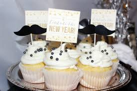 Cupcake Decorating Ideas For New Years Eve by Best New Years Eve Party Ideas