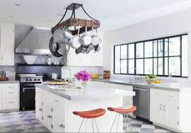 good u shape kitchen decoration with light grey white checkered