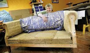 sofa beziehen gut ausgestattet und gepolstert meißenheim badische zeitung