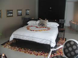 bedroom so sweet romantic bedroom ideas for anniversary romantic bedroom so sweet romantic bedroom ideas for anniversary excellent colorful flower for romantic bedroom anniversary