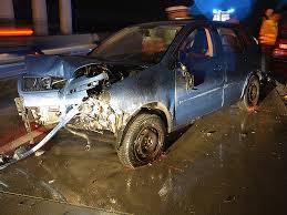 auto mit ladefläche auto stürzte ladefläche auf schnellstraße wien orf at