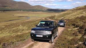 land rover queens queen drives kate middleton to picnic lunch with prince william