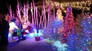 Zoo Lights Discount Tickets L A Zoo Lights Holiday Light Display Runs From 11 17 17 To 1 7 18