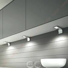 spot triangle cuisine spot cuisine sous meuble lustre de cuisine a eclairage sous meuble