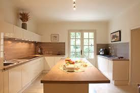 cuisine blanc et bois cuisine bois et blanc unique cuisine blanc et bois ide dco salon