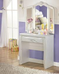 Cherry Bedroom Furniture Bedroom Casual Bedroom For Within Amish Cherry Bedroom