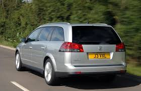 vauxhall vectra estate review 2005 2008 parkers