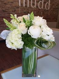 flower delivery chicago white and green flowers in chicago il mudd fleur