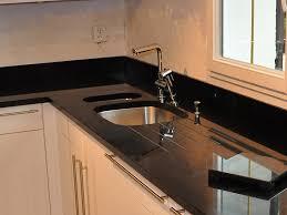 plan de travail cuisine granit noir plan de travail en granit noir maison design bahbe com