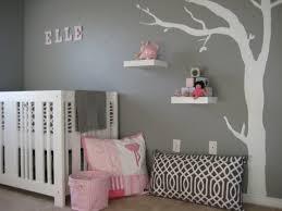 decoration de chambre enfant chambre enfant déco chambre bébé fille en gris pourquoi pas
