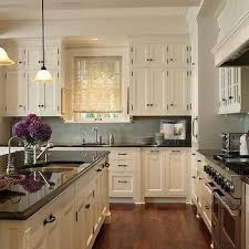 White Cabinets Kitchens Best 25 Ivory Kitchen Cabinets Ideas On Pinterest Ivory
