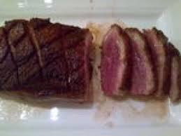 cuisiner magret de canard poele cuisson du magret de canard à la poêle recette ptitchef