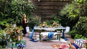 stunning floral centerpieces for your next outdoor party sunset