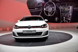 volkswagen geneva new vw golf gti mk7 live photos from geneva and first promo video