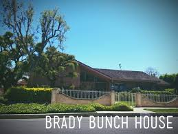 the real brady bunch house los angeles california brady bunch house reviews los angeles california skyscanner