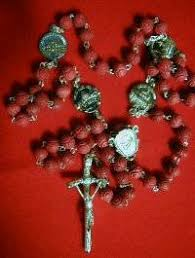 petal rosary vatican rosaries religious items blessed by pope benedict xvi