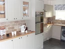 howdens burford kitchen cabinet sizes monsterlune