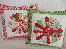 quilted christmas quilted christmas pillows a quilting a quilt