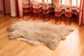 Faux White Sheepskin Rug Accessories 20 Amazing Pictures Faux Fur Rugs Models Faux Fur Rug
