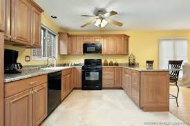 kitchen color schemes with wood cabinets kitchen paint colors with