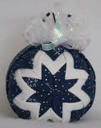 533 best quilted ornaments images on quilted ornaments