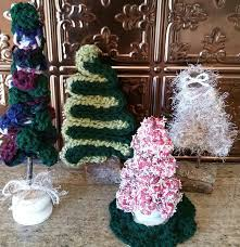 how to crochet a christmas tree tutorial ornament or decoration
