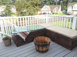 Patio Furniture Pallets by Diy Pallet Sectional For Outdoor Furniture Like The Yogurt