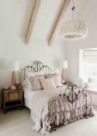 chambre à coucher ancienne décoration chambre vintage du charme à l ancienne
