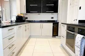 is it better to paint or spray kitchen cabinets what is the best spray paint on kitchen cabinets kitchen